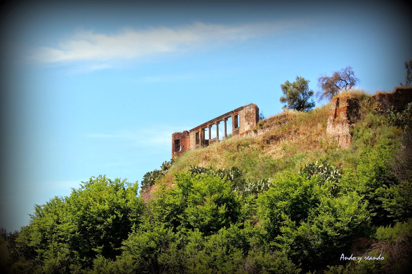 Columnas del mirador de Duques de Alba en Coria