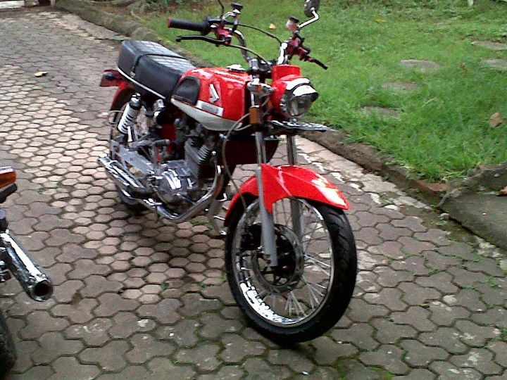 Modifikasi Honda CB 100 - Other modifications to the theme you can see