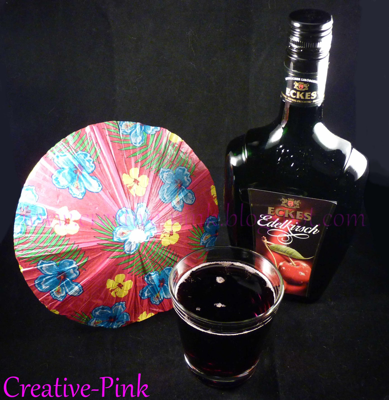Hochprozentige kirsch cola cocktail creative pink cuisine for Cocktail kirsch