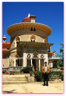 Imagem de uma das torres do Palácio de Monserrate, Sintra, Portugal.
