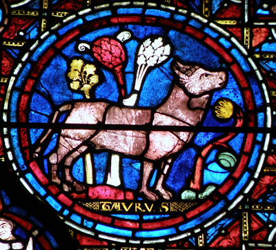signo zodiacal tauro en vitral