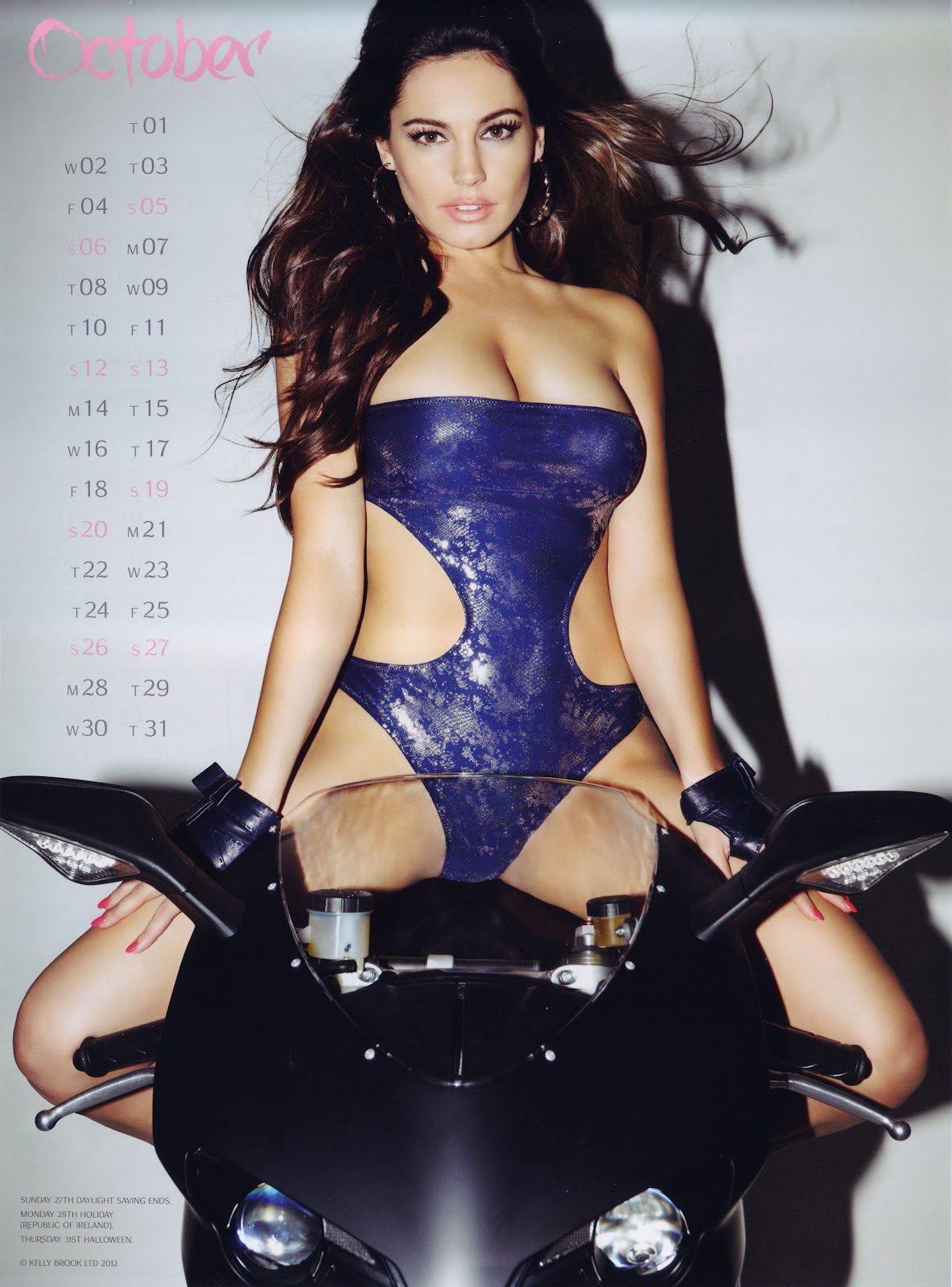http://4.bp.blogspot.com/-ObaJMth9iF4/UF0Wq-0ntQI/AAAAAAAAOWQ/40lThNkVEew/s1600/Kelly+Brook+Official+2013+Calendar++-11.jpg