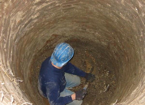 Cavando en el pozo
