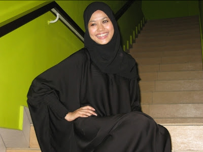 Gambar Liyana Jasmay Bertudung Seksi Hot Semasa Puasa Ramadhan