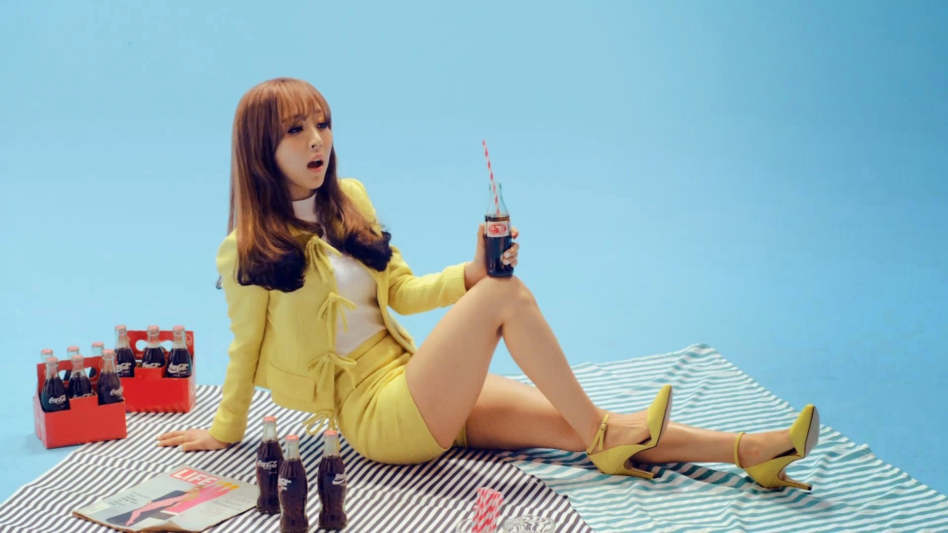 Mamamoo's Moonbyul in Ahh Oop MV