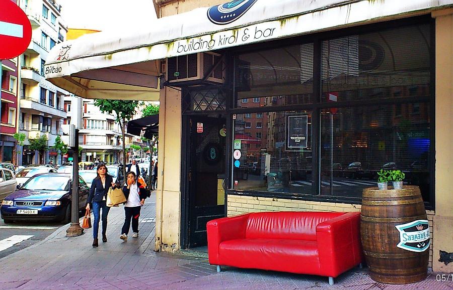 bar,fumadores,sofá,Bilbao