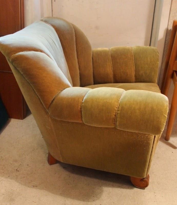 Butiken Blue Corner Fyndmöbler Dux soffa från bra bohag och 40 tals fåtölj