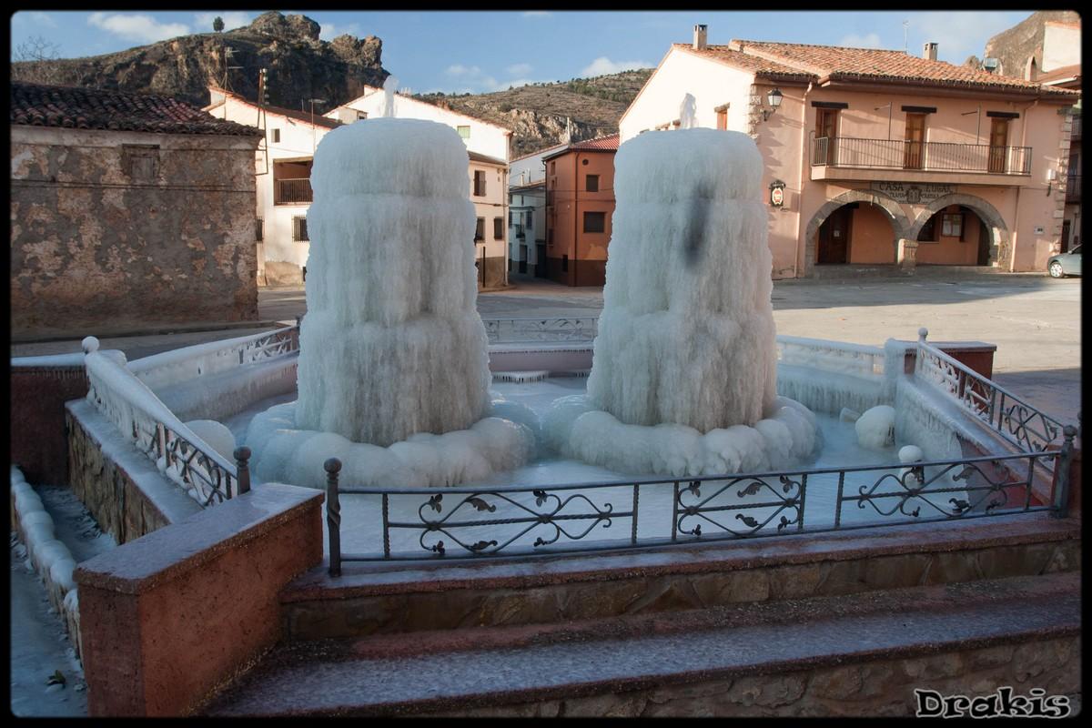 Fuente de la plaza (Tramacastilla)