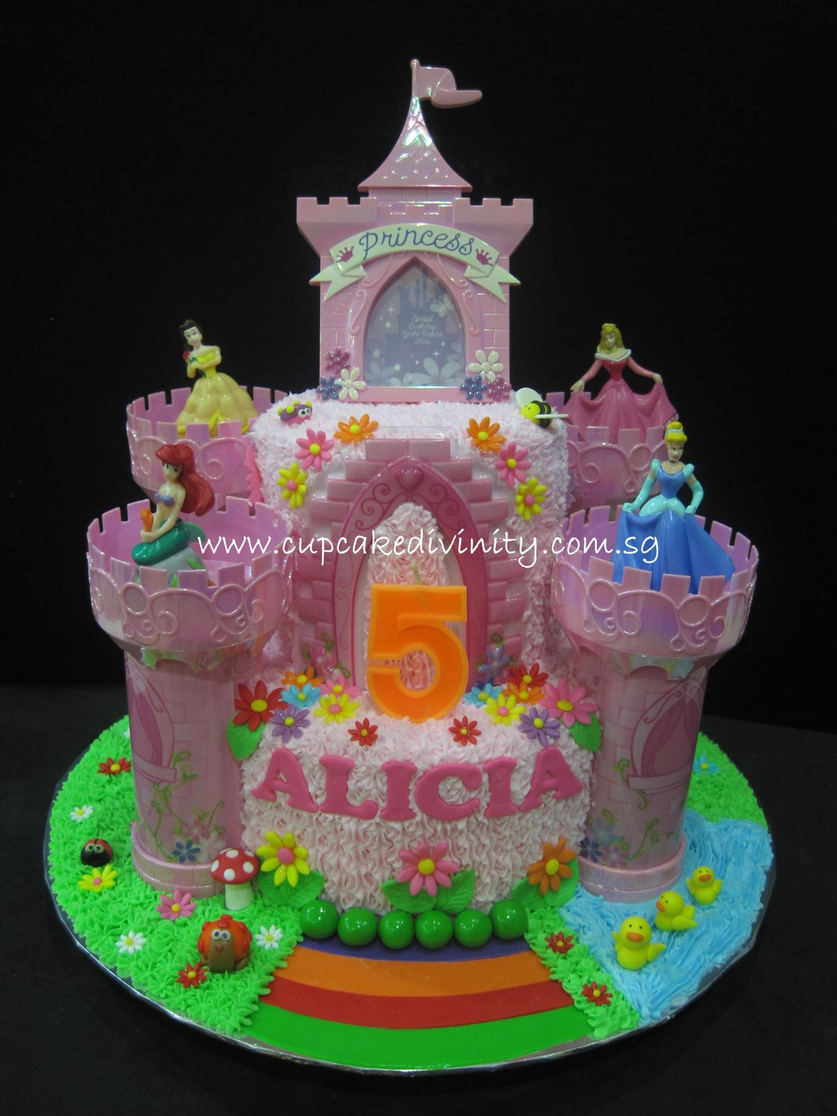2 tier princess birthday cakes