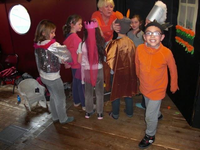 http://theatrecoupdegueule.blogspot.fr/2014/04/stage-theatre-de-paques-deuxieme-et.html