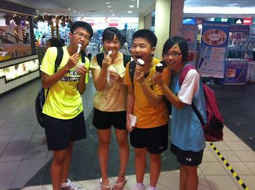 Happy badminton n Sweet Ice Cream time^^