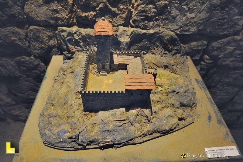 château de Vogüé au XIIIe siecle