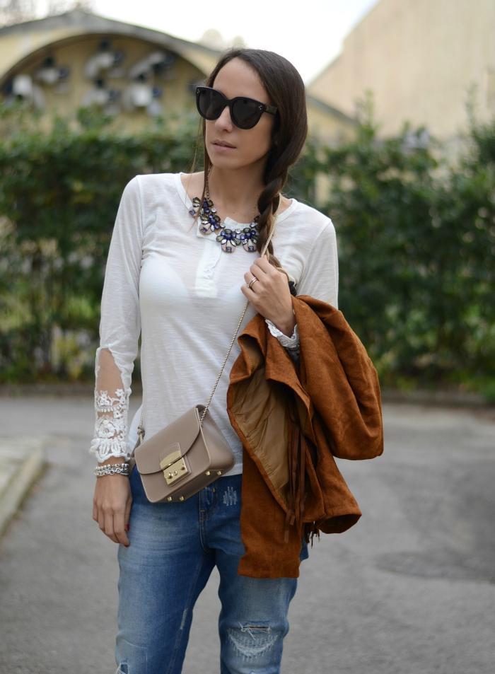 t-shirt bianca dettagli pizzo