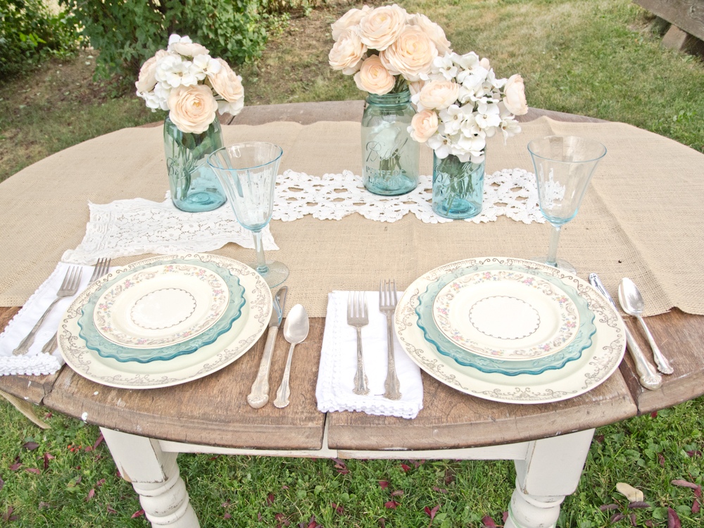 A vintage table setting. Burlap lace ... : burlap and lace table settings - pezcame.com