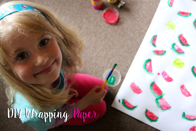 painting-with-kids, DIY-wrapping-paper, arts-and-crafts, todaymyway.com