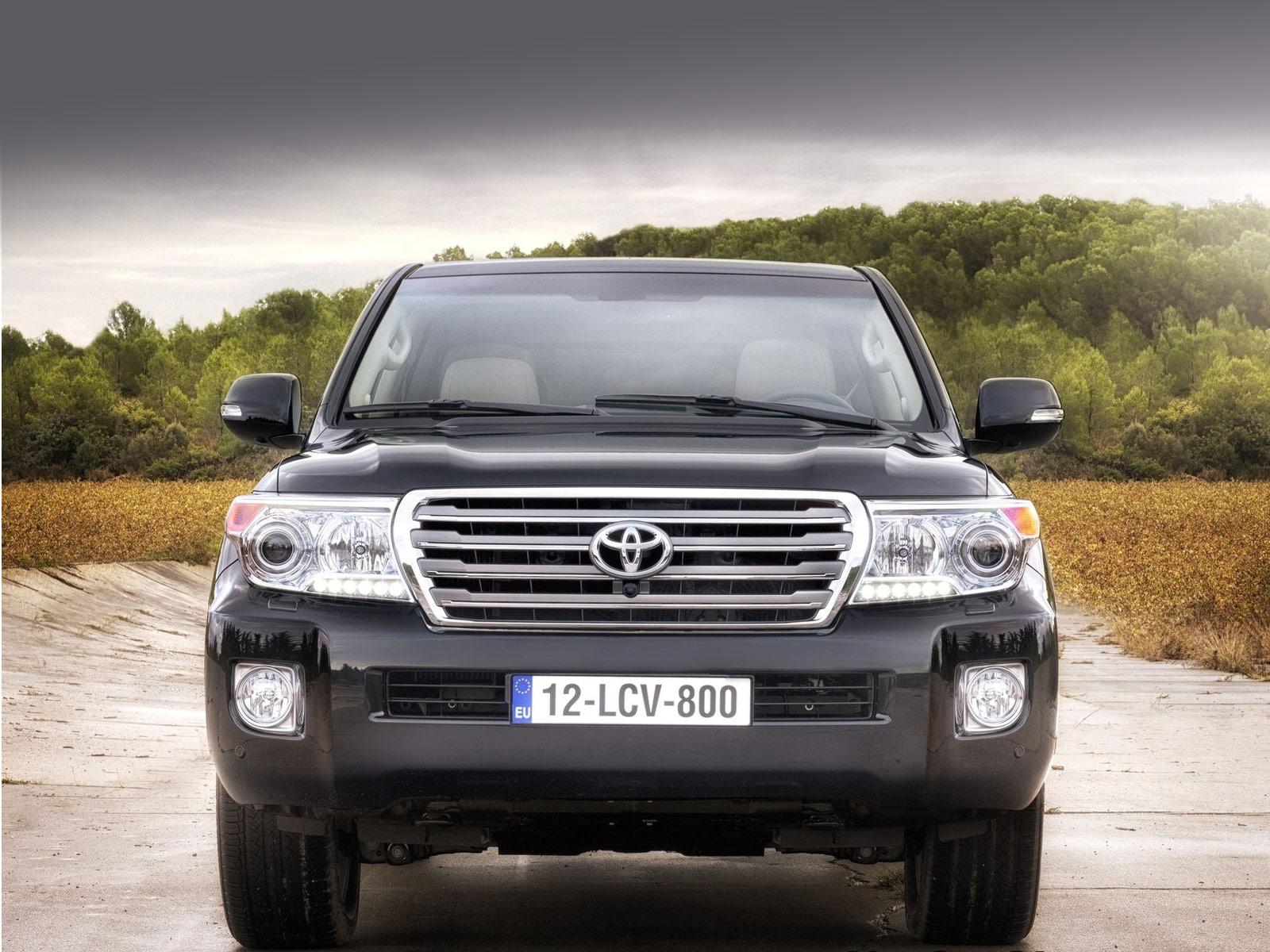 http://4.bp.blogspot.com/-OdHGSgvV9RM/T8CYG4OegeI/AAAAAAAACOg/mVOsyxiWDrg/s1600/2013_Toyota-Land-Cruiser-car-pictures-collection_6.jpg