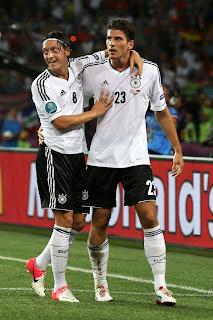 OZil and Gomez
