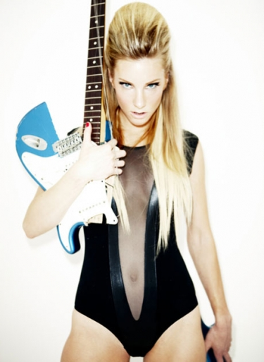 heather morris hot. Hot damn.