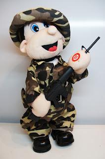 мягкая игрушка солдат