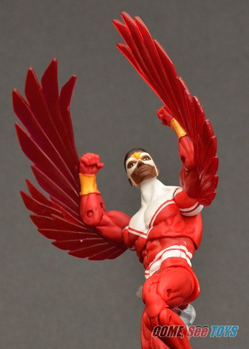 Come see toys avengers assemble sky attack falcon - Faucon avengers ...