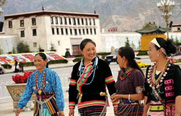 wanita tibet