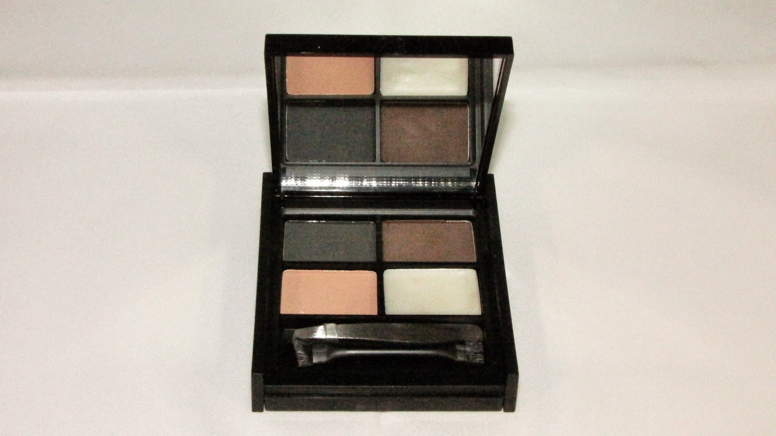 MUA Pro-Brow Ultimate Eyebrow Kit in Dark