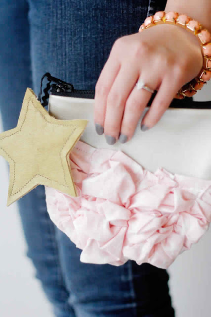 15 Zipper Pouch Tutorials