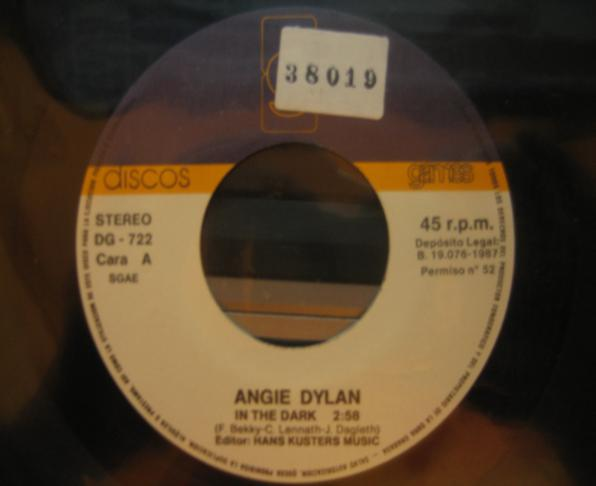 Angie Dylan - In The Dark (Maxi)
