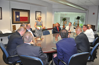 Yvette Shorten of LEMIT meets with a delegation of Polish National Police.