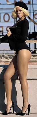 Rihanna%2BVogue%2BUK%2B2 Rihanna en couv' de Vogue UK