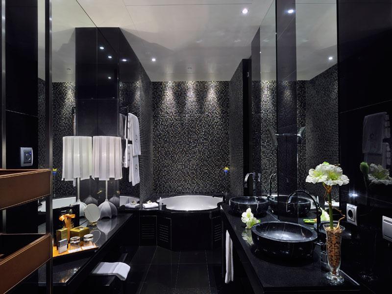 Hoteles con jacuzzi en la habitaci n suites con jacuzzi for Jacuzzi interior barato