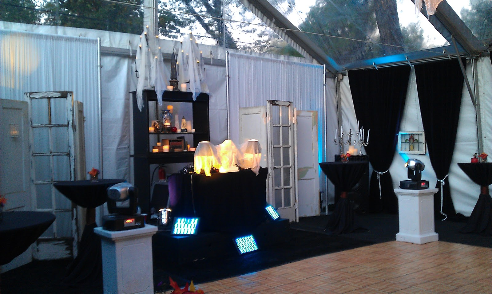 DALLAS LIGHT AND SOUND: Haunted Mansion Halloween in a Crystal ...