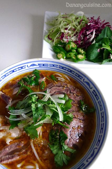 ... Vietnam's recipes: Vietnamese spicy beef noodle soup - Bún bò Huế