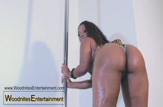 Gizelle XXX Working the Pole Pt.2 *Video* [ Warning Must ...
