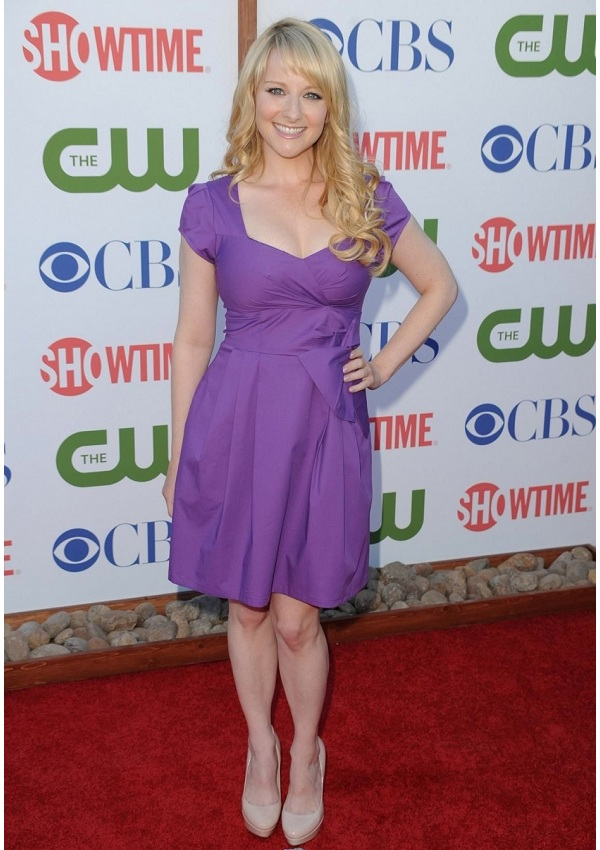 "Melissa Rauch 's Height is 5'0 "" (152 cm)"
