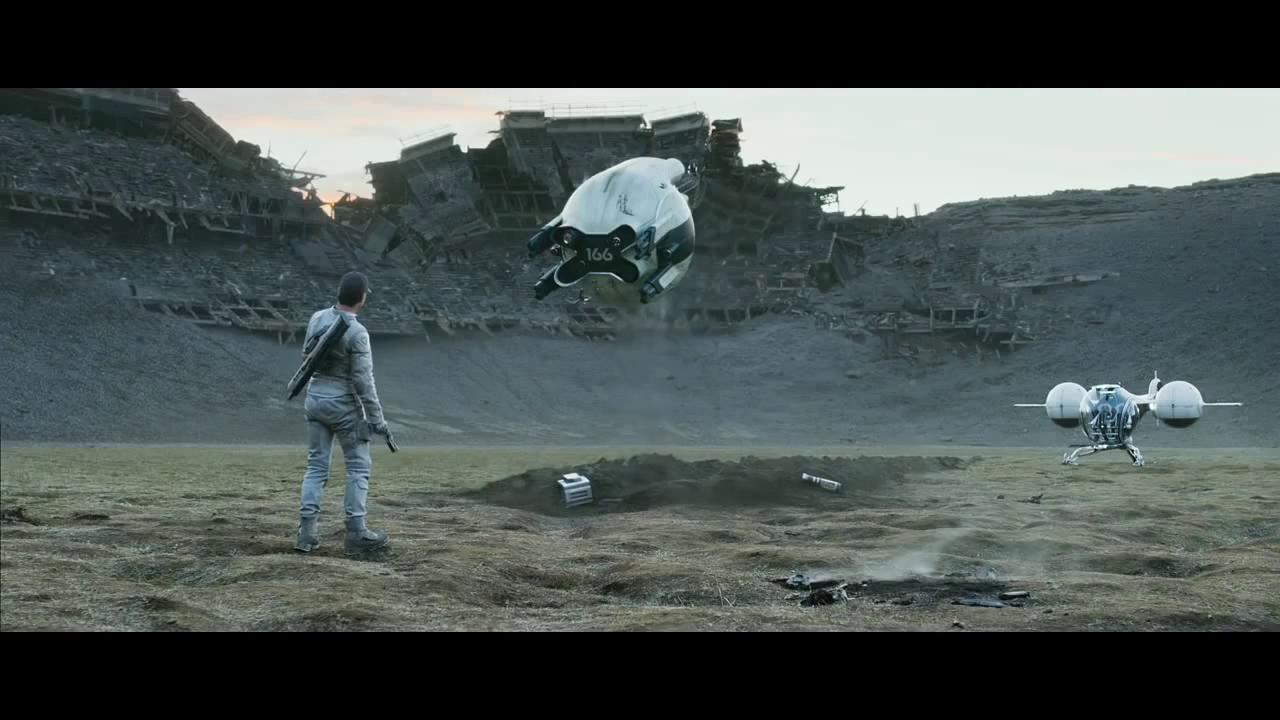Drone apuntando al protagonista en Oblivion