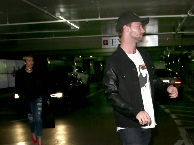 couple Miley Cyrus and Patrick Schwarzenegger was a pizzeria in Los Angeles.