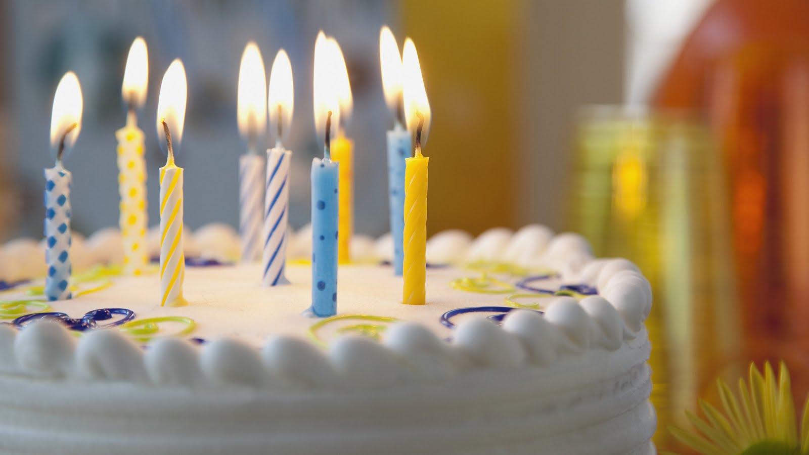 http://4.bp.blogspot.com/-OfDe3oHAQr4/Ty9BNOwqi1I/AAAAAAAAOLE/JPSBHFYCtQI/s1600/happy-birthday-to-you-1080p-hd-wallpaper.jpg