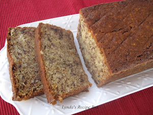 Very Moist Banana Bread with Walnuts