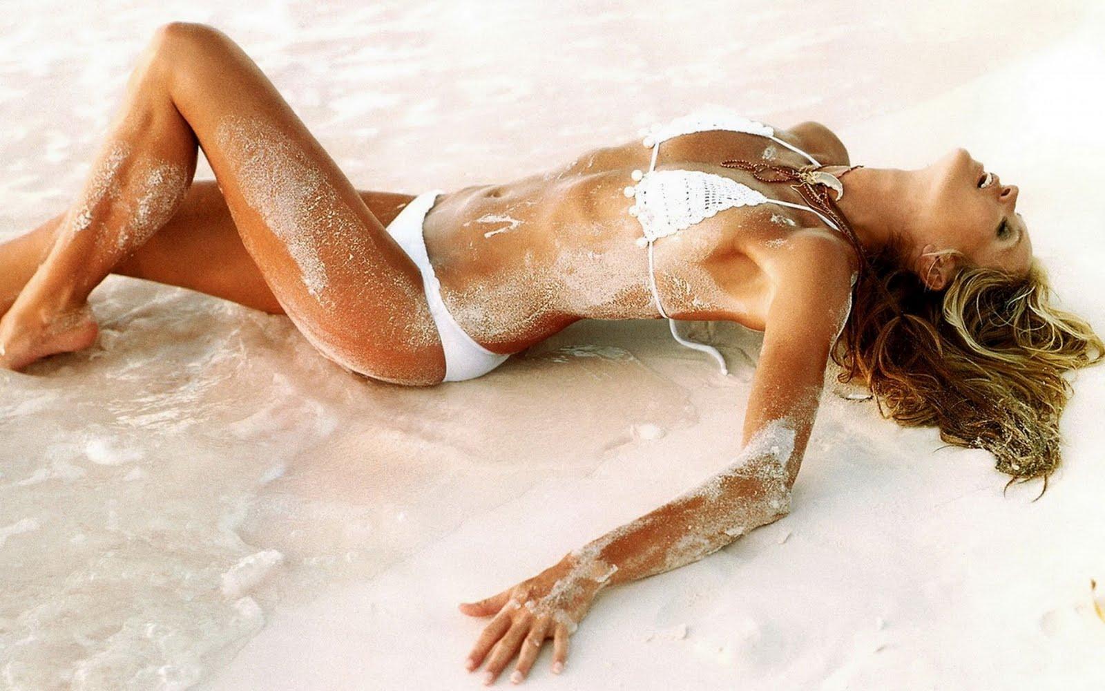 http://4.bp.blogspot.com/-OfjTstuD1Cc/TaiZQZEvEqI/AAAAAAAANbU/XaFBuvpeIvk/s1600/sexy-sunbathing-girl.jpg