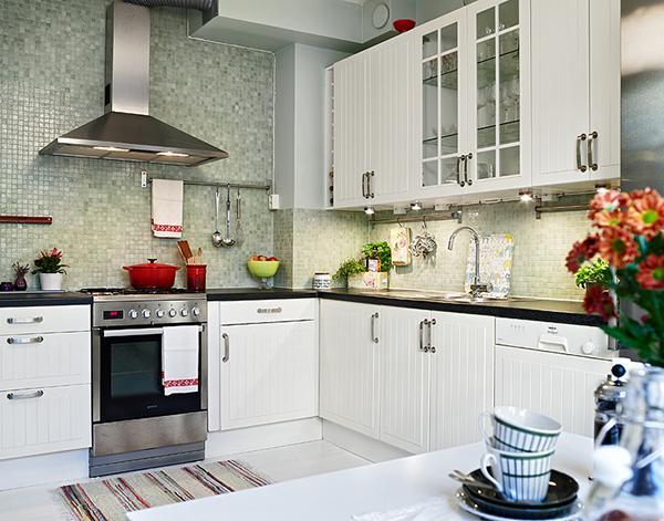 5 dise os de cocinas con bella decoraci n for Accesorios para cocinas pequenas