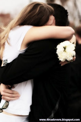hug,nice romantic hug, sweet romantic moments, Romantic images, Love images, Hug Images, Lovely romantic images, 4truelovers images,Love cute images, Real Love Images , Love Break up Images from 4truelovers