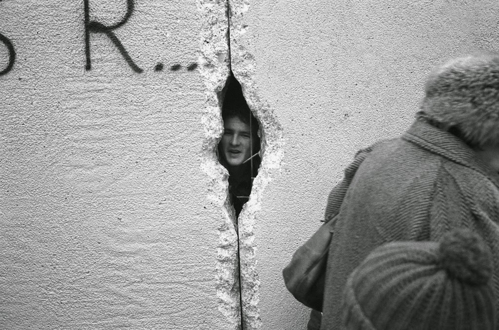 Destruction Of The Berlin Wall hole in the Berlin Wall at
