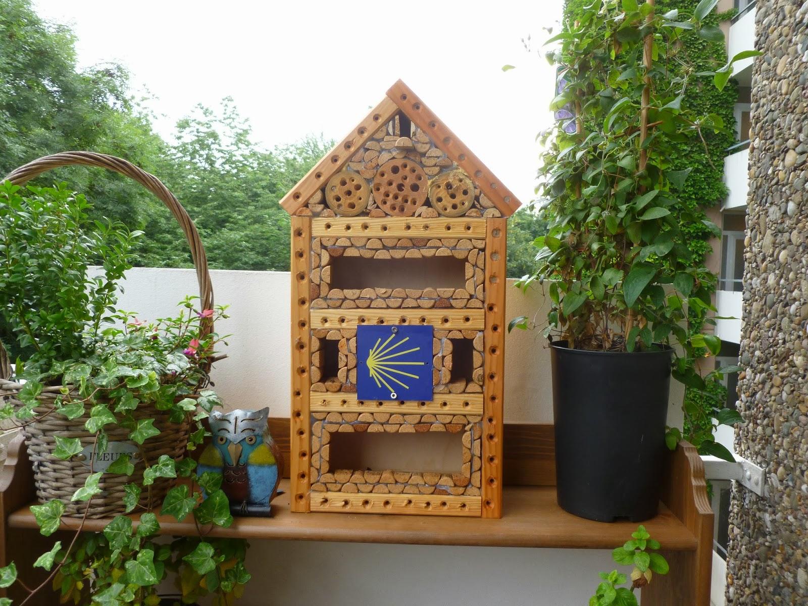 kombination von wegmarkierungen und artenschutz bauplan mini wild bienen insekten hotel. Black Bedroom Furniture Sets. Home Design Ideas