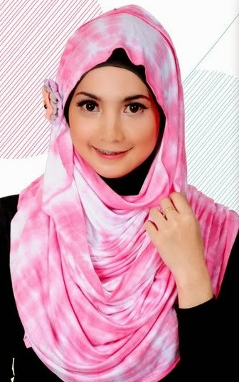 memilih model jilbab simpel