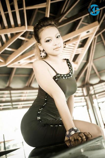 Model Nang Khin Zay Yar