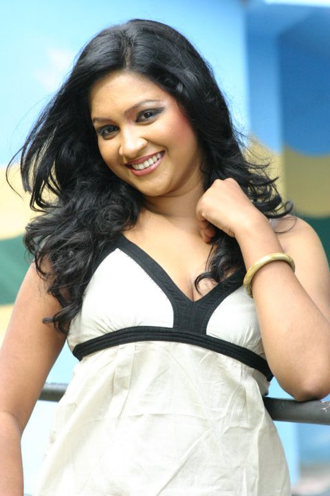 nadeesha alahapperuma hot