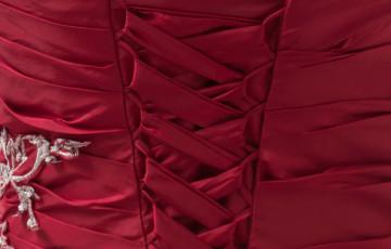 Magnifique Bourgogne bretelles perles taffetas robe de bal