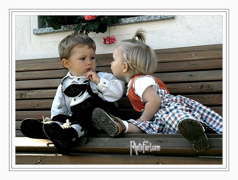 LOVE My Live: Cute baby kiss wallpapers Cute Baby Girl In Love