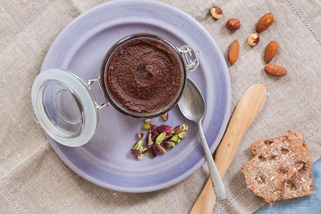 Domaća Nutella, zdravi čoko-lešnik namaz